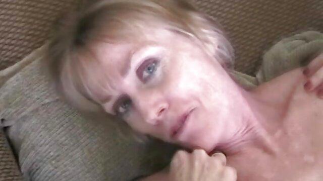 Mec parfaitement baisée film porno avec lesbienne petite amie de 18 ans et éjacule dans le cul